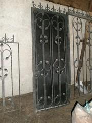 Кованные ворота + дверь (калитка) + 3 секции